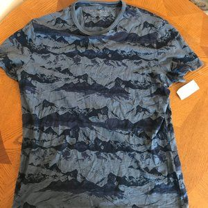 NWT Banana Republic Mountain Camo T-Shirt M Blue